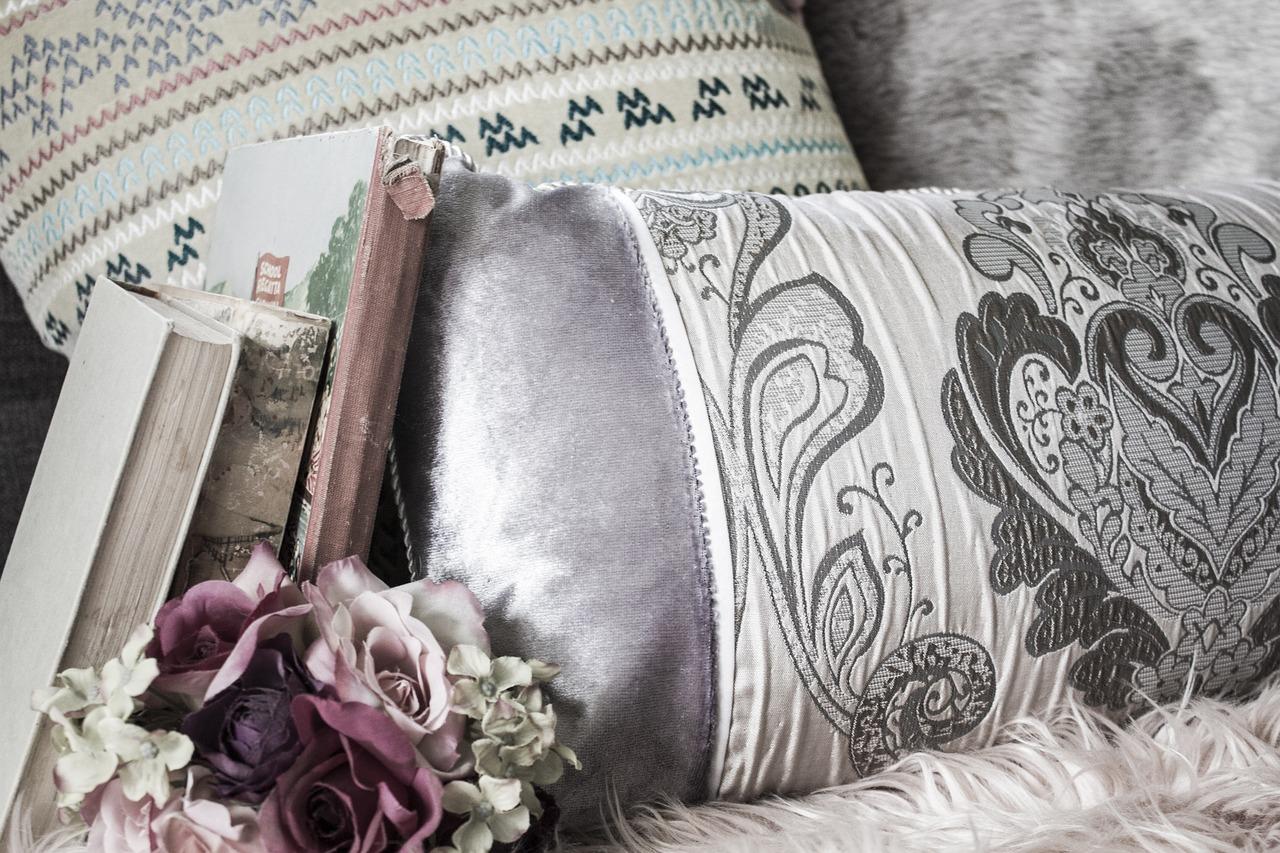 Comment apporter un plus à la décoration de votre intérieur avec les coussins vintages ?